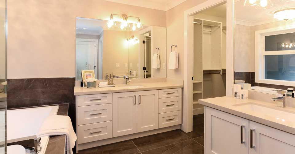 3523 Forst Ave. bathroom
